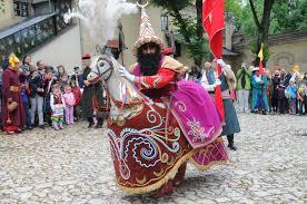 Tradycji stało się zadość. Lajkonik znów przeszedł przez Kraków [ZDJĘCIA] |  Gazeta Krakowska